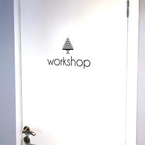 Αυτοκόλλητο Πόρτας - www.printroom.gr